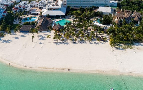 Drone footage of Intercontinental Presidente Cancun Resort | Mexico
