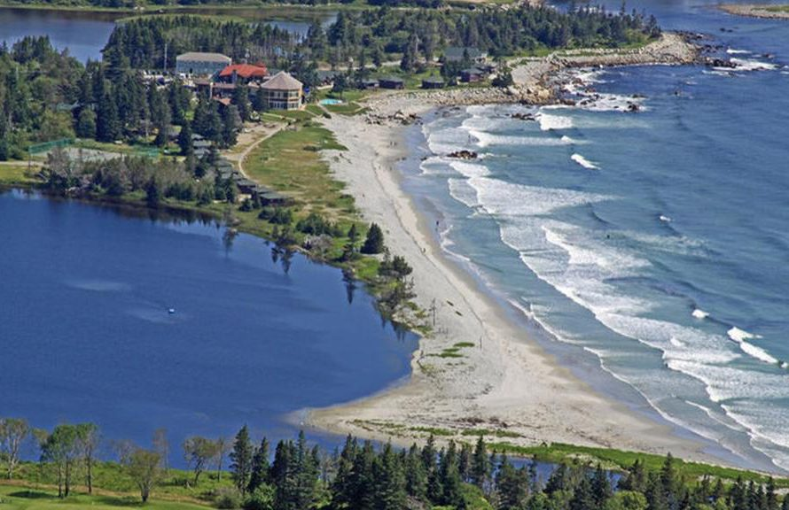 White Point Resort | Canada – Hunts Point